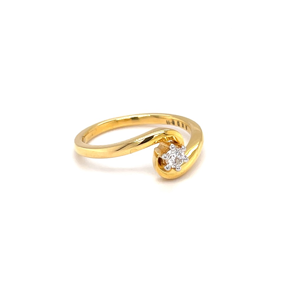 Single diamond engagement ring with cross band in yellow gold