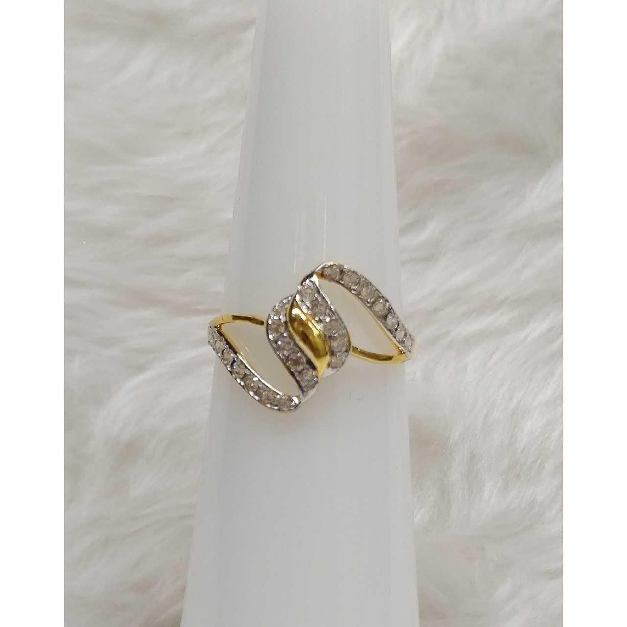 916 Exclusive Gold Ladies Ring