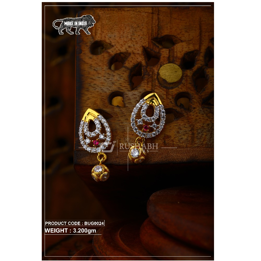 18 carat Gold ladies tops with ball  earrings and red stone  bug0024