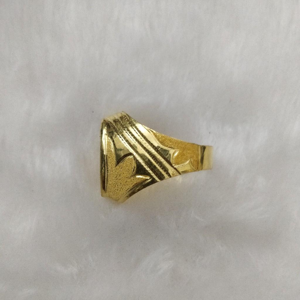 916 Gold Gent's Fancy Rings