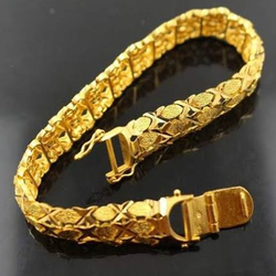 DESIGNED GOLD GENTS  BRACELET
