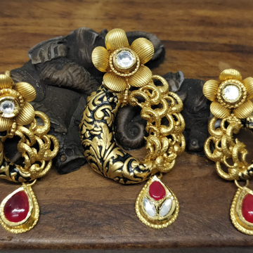 Antique Jadtar Pendant Sets