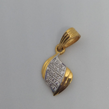 Gold pendent by Zaverat