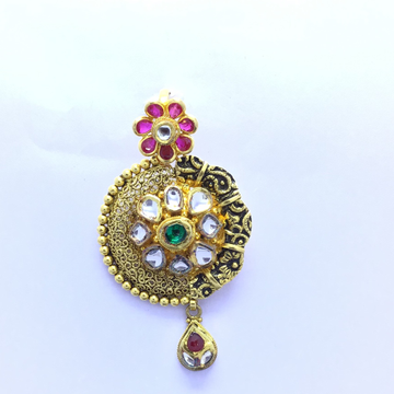 DESIGNED GOLD PENDANT by