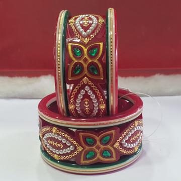 Gold chudi & bangals by